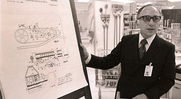 (via N. Joseph Woodland, Inventor of the Bar Code, Dies at 91 - NYTimes.com) =(  Bar codes changes (librarians') lives.