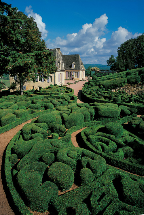 allthingseurope:  Chateau de Marqueyssac, France photo via