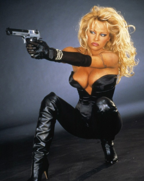 pam-anderson:  Pamela in Barb Wire, 1996    Oh..hell..yes!!