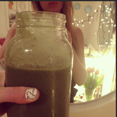 My morning #green #smoothie - and now it's time for a long #SundayFunday #RUN!!!!!