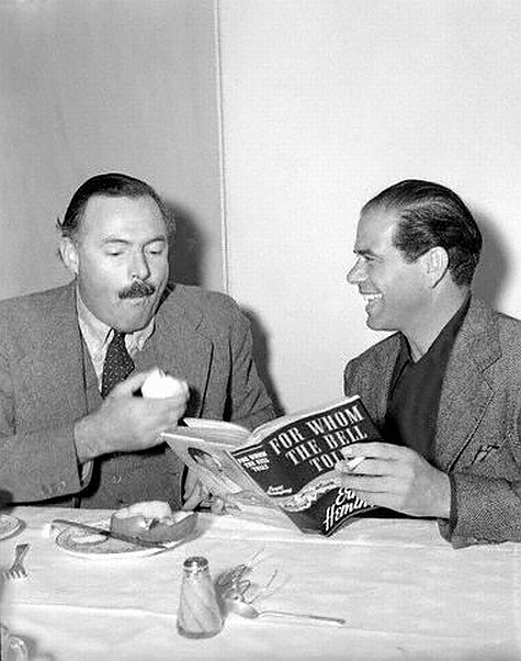 awesomepeoplehangingouttogether:  Ernest Hemingway and Frank Capra