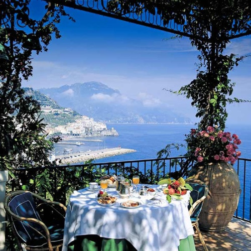 Seaside, Amalfi Coast, Italy photo via besttravelphotos