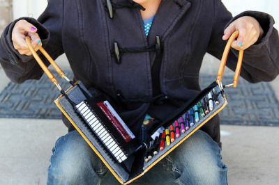 Turn a worn or outdated hardcover into an awesome portable art studio with this recycled book art kit tutorial that Shaunte shared on Crafts Unleashed.  More:  MAKE | How-To: Recycled Book Art Kit