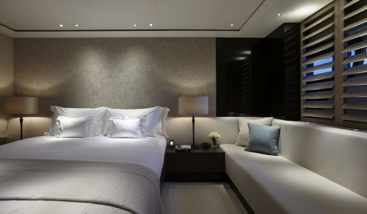 twizzle yacht a project by dutch luxury yacht. Black Bedroom Furniture Sets. Home Design Ideas
