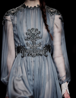 fuckyeahalternativefashion:  Valentino Fall-Winter 2013  wow this is the most tullyest dress ever