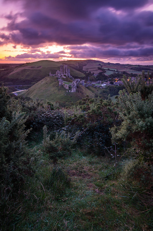 Corfe Castle, Dorset, England (by David Briard)