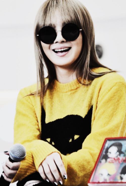 95/100 PICTURES OF CL