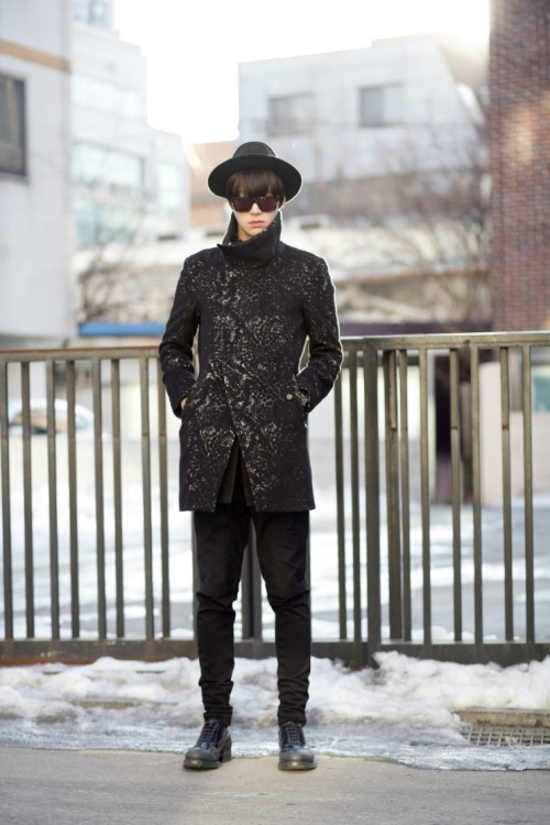 Streetstyle: Ahn JaeHyeon shot by Kim Ro Gi.
