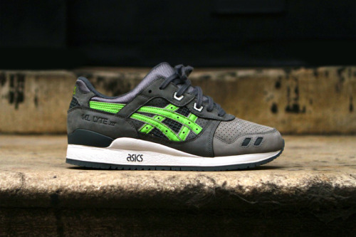 "Ronnie Fieg x ASICS Gel Lyte III ""Super Green"" for Soles4Souls Ronnie Fieg has been rolling out his designs on the classics Asics silhouette. The denim was not to everyone's taste but these are sure to be popular. This is all for a charity, he's joined up with Soles4Souls to create 300 pairs to give to those less fortunate in Haiti. Pete Fosterer from Kith is over there now handing out the shoes and his progress can be tracked here - http://kithset.com/pete/"