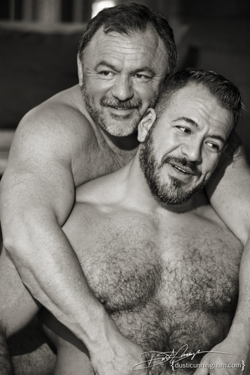 nippletheory:fhabhotdamncobs:daibanokujira:20140904W♂♂FIt's not hard to pretend these two are, say, cousins…So fucking hot