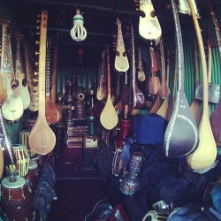 sulymanqardash:  …Traditional music Instruments shop in Kabul… #Kabul #Afghanistan #music #rubab #indie #capital #city  Great pic!