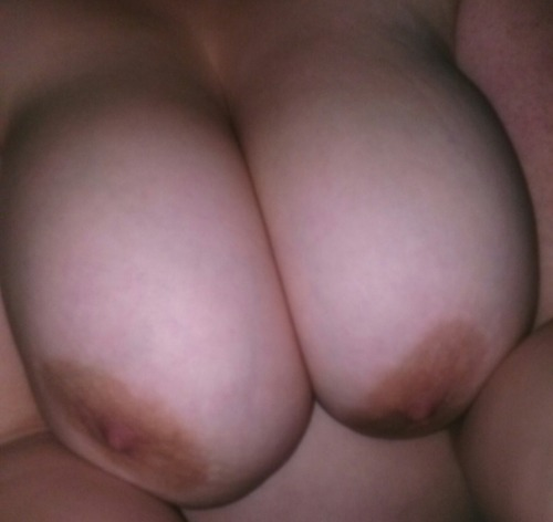 freeky-boi:  Some more massive tits I wanna suck on