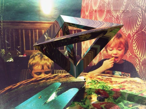 Kids eat free at TESSERACT'S!