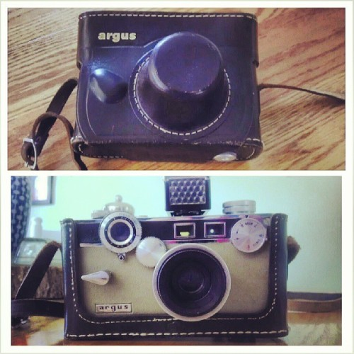 Brimfield find #1:  vintage Argus brick with flash & leather case