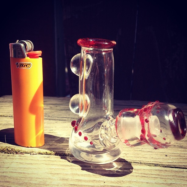 borostache:  This mini pocket tube with 2 millies and matching handground dome are available. Kik me: Joshconjure #glassofig ##glassblowing #lampworking #dabs #710 #highsociety