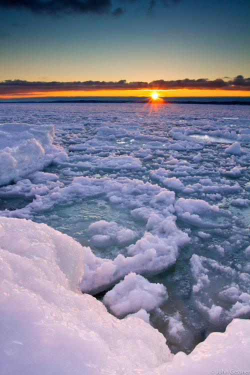touchdisky:  Lake Michigan, USA by John A. Gessner Photography