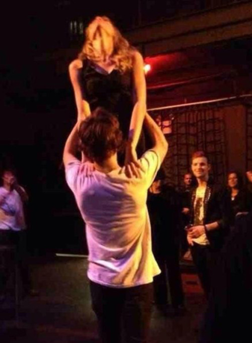 "OMG. Taylor Swift and Harry Styles do ""The Lift"" from Dirty Dancing! Click for more!"