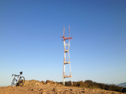 sutrofanclub:  Bike & Sutro Tower (by mr0grog)