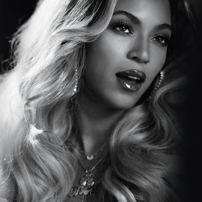 mtv:  BOW DOWN! beyonce is coming to the 2014 vmas with a performance and she's taking home the video vanguard award.