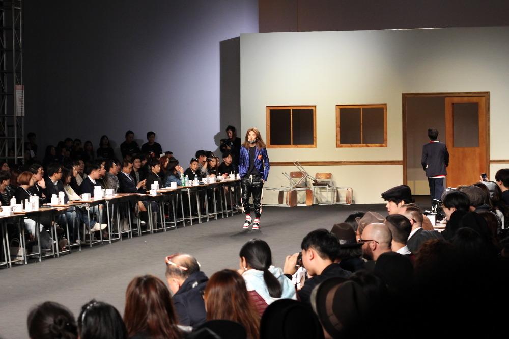 beyond closet runway ss15 seoul fashion week kpop stars block b korean models