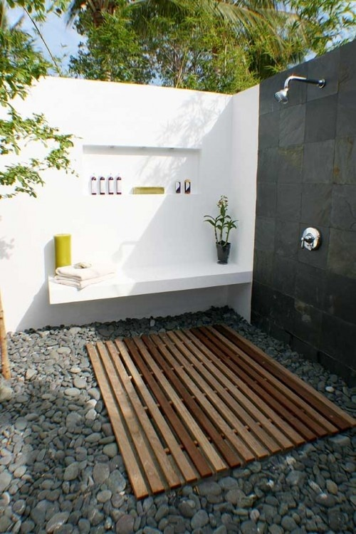 expensivelife:  outdoor shower