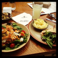 2nd lunch of the day! #nandos 🐔 (at Nando's)
