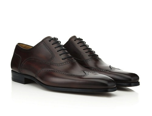dangerouslydebonair:  Chisel Toe Oxford Brogue.  Magnanni.