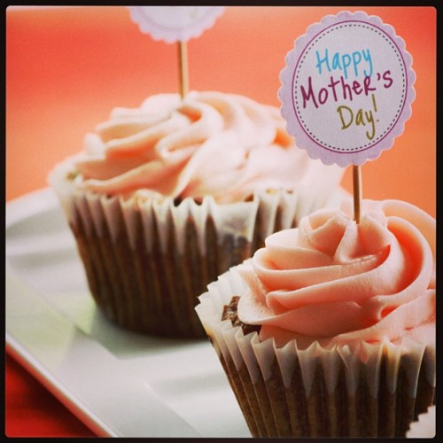 Happy Mother's Day to all our wonderful Mom's! Have a sweet day!   Yummy gluten free, vegan, corn free, rice free & soy free and made with 100% organic ingredients.   #bakery  #cornfree  #celiacawarness #foodporn #glutenfree  #lasvegas #livingglutenfree  #organic #purevegan #plantfoodforpeople #ricefree #soyfree #vegan #vegas #veganfood #veganmofo #vegansofig #veganvegas #veganbakery #vegancookies #veganfoodshare  #veganspin  #healthyeah #FoodNetworkFaves  #mothersday #webstapick