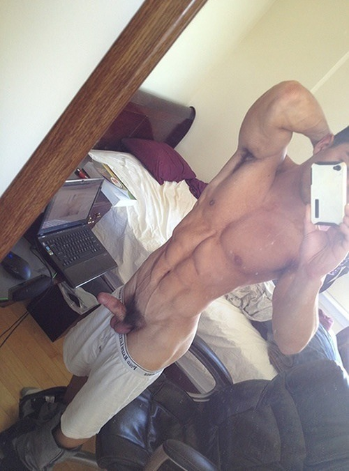 enjoyexhibitionists:  getoncam3:  Well good morning   Enjoy my new blog to enjoy exhibitionists - but not name them. http://enjoyexhibitionists.tumblr.com/