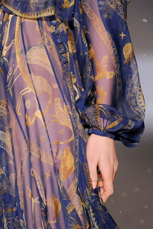girlannachronism:  John Galliano fall 2009 rtw details