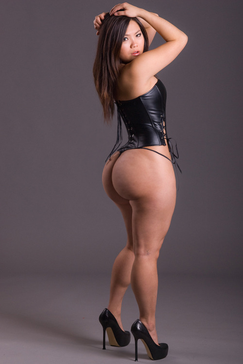 phatassasians:  Click like if you think she's sexy and has a phat ass!