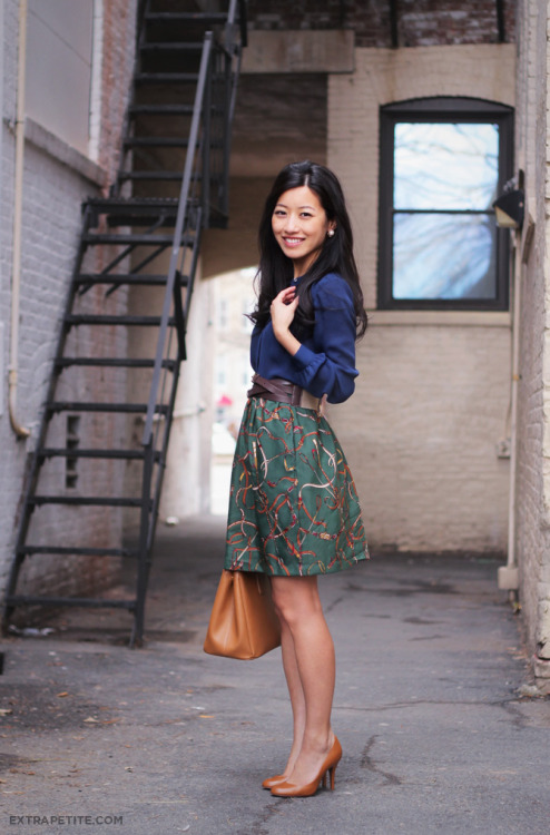 the-streetstyle:  Tutorial Preview: DIY A-Line Skirt w/ Pocketsvia extrapetite