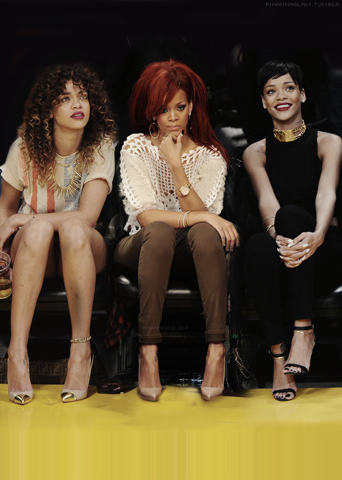 fan-rihanna:  Photo http://bit.ly/14cuzUI