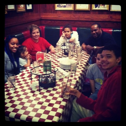 Family came to visit me in Chicago. We had to hit up Giordano's! #pizza #chicago #family  (at Giordano's)