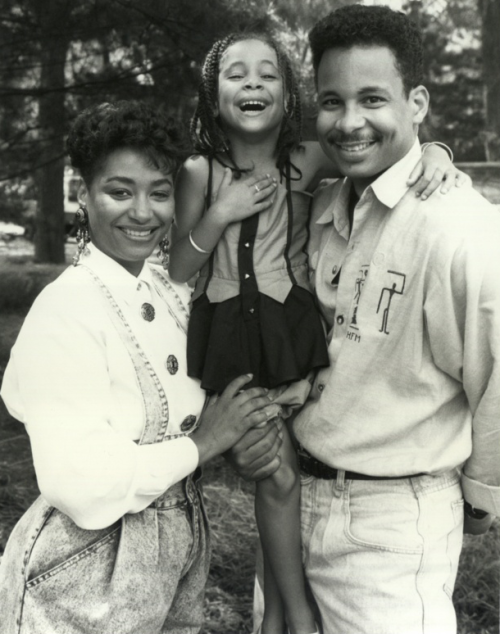 blackfashion:  turquoisebrew:  Raven Symone and her parents  pefect   Wow! She looks just like them