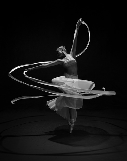 From the Shadowdance series (Keiko Guest; via artemisdreaming)