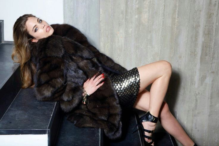 Fur coat dandy