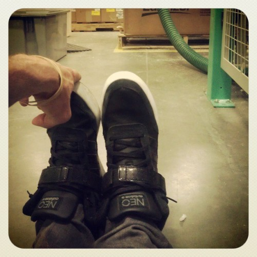 Every 2hrs do some stretches at work for 2mins :-) #3am #graveyard #adidas #adidasneo #newjob  (at blackhawk)