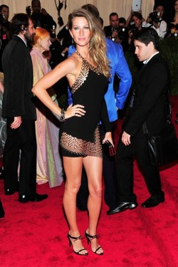 Met Gala '13 - Gisele Bundchan in Anthony Vaccarello