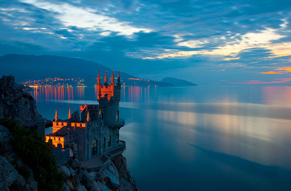 landscapelifescape:   The Swallows Nest, Gaspra, Ukraine (via Curious Places)