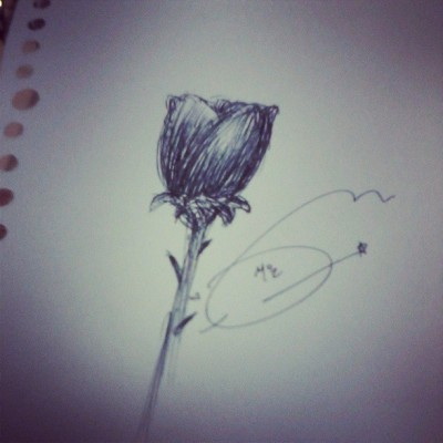When i listening song by #leehi #rose …. #schooltime #boringtime #art #drawing #arsir #pen #indonesia #malang #instadroid