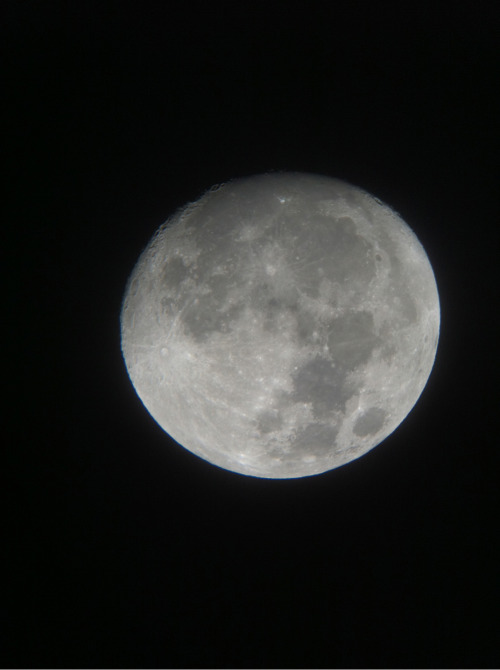 The moon seen from Mamalluca observatory last night.