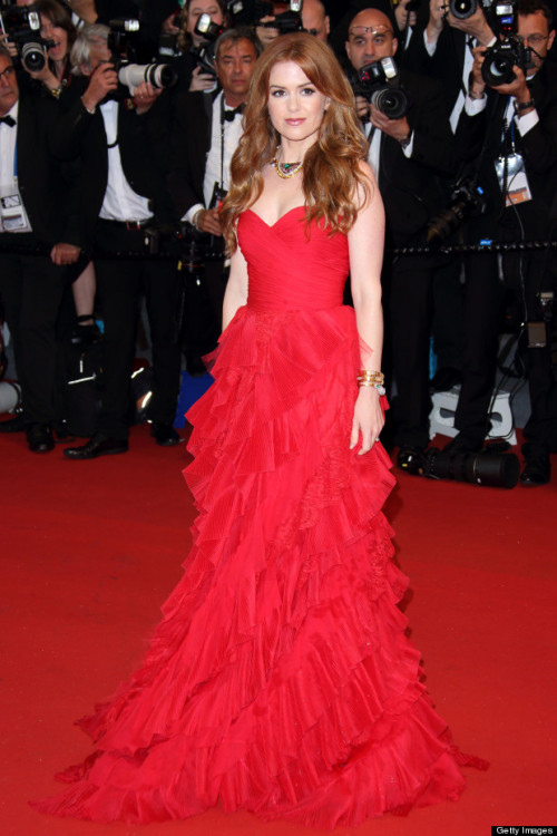 Isla Fisher hits the red carpet for the 2013 Opening-Ceremony in Cannes with makeup by Mary Wiles.