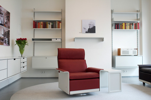 Vitsoe Store Chair