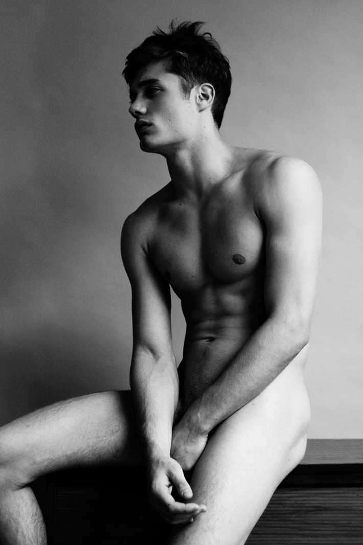 encorealways:  French models : Steven  Chevrin  » see more French hotties HERE