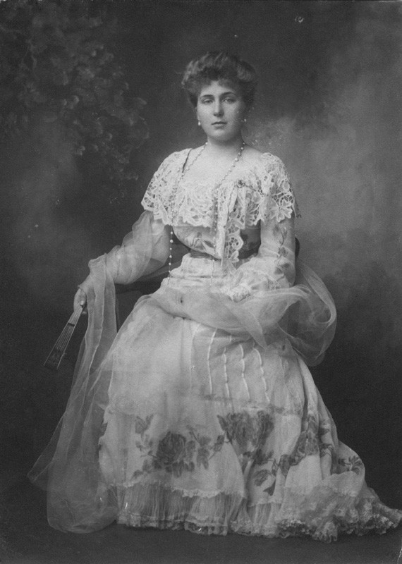 teatimeatwinterpalace:  Princess Victoria Eugenie of Battenberg, later Queen of Spain in 1904