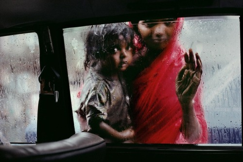 deepitforest:  by steve… India | Steve McCurry. Bombay, India.