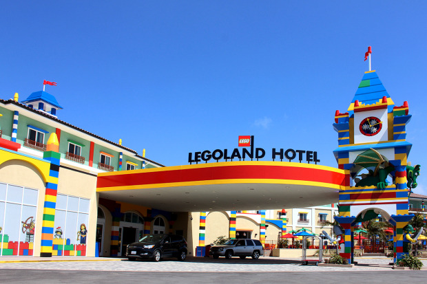 laughingsquid:  LEGOLAND California Resort Opens LEGO-Themed Hotel  I WANT TO GO THERE RIGHT NOW. #rightmeow