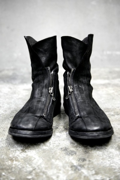 edge-to-edge:  JULIUS leather zip-up boots
