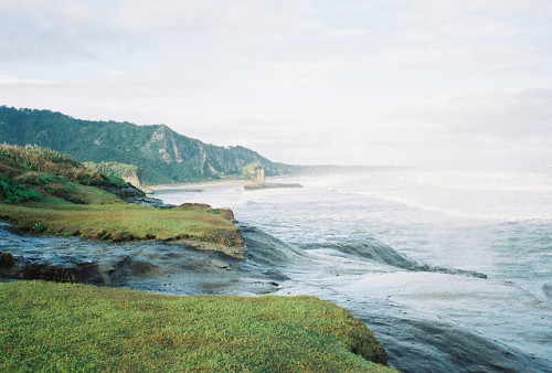 arquerio:  Coastal Headlands by anthonylibrarian on Flickr.